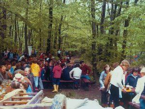 Die Besucher beim Vatertagspicknick auf der Karthaus