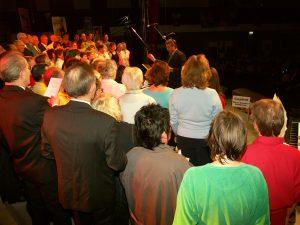 """Alle Chöre gemeinsam beim Konzert """"Ton ab"""" 2006"""