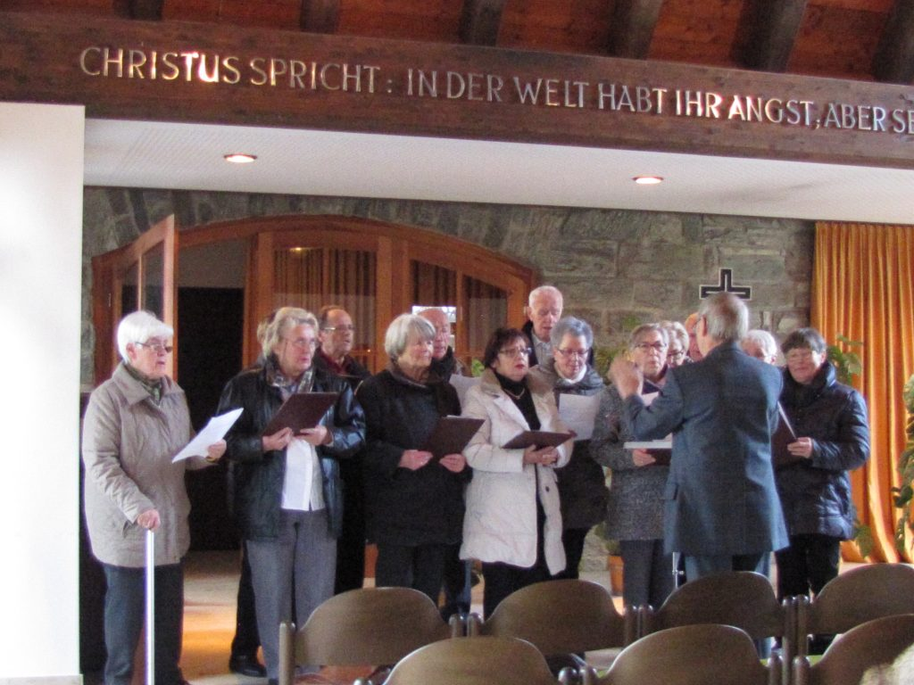 Traditionschor singt in der Trauerhalle