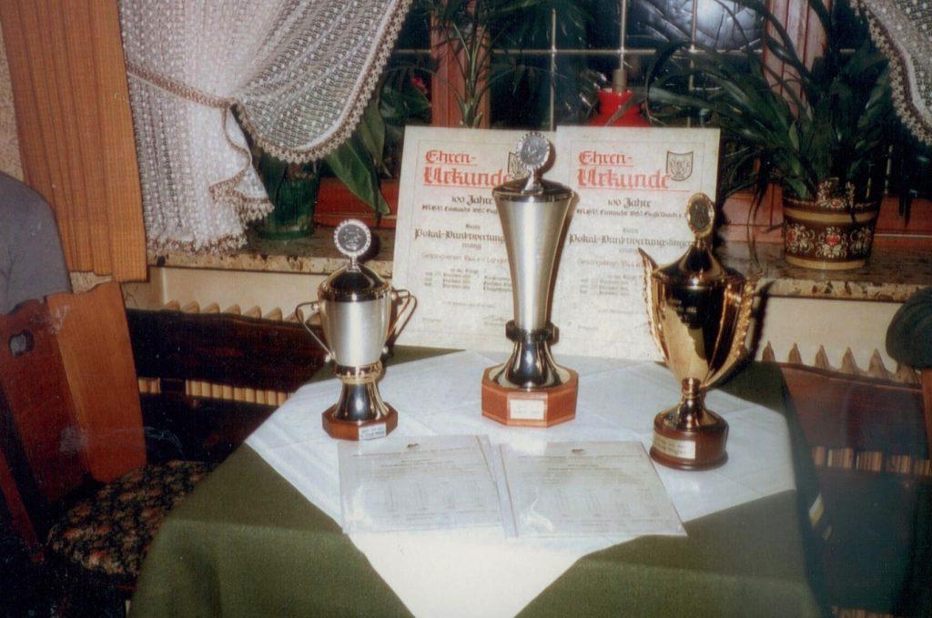Pokale für den Männerchor